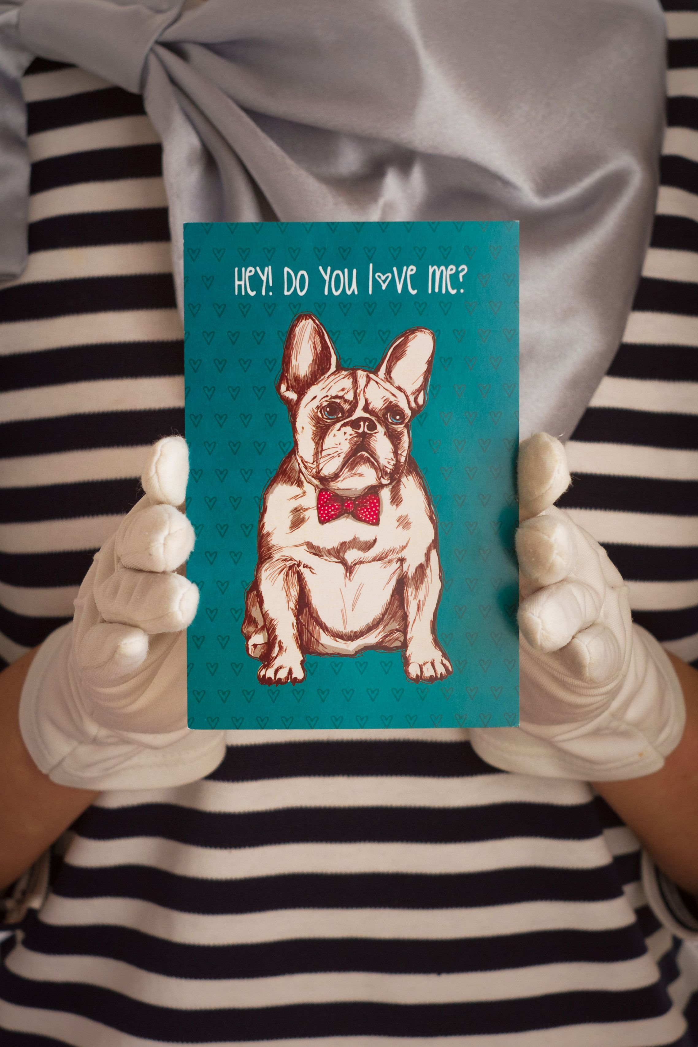 surprise present romantic postcard love