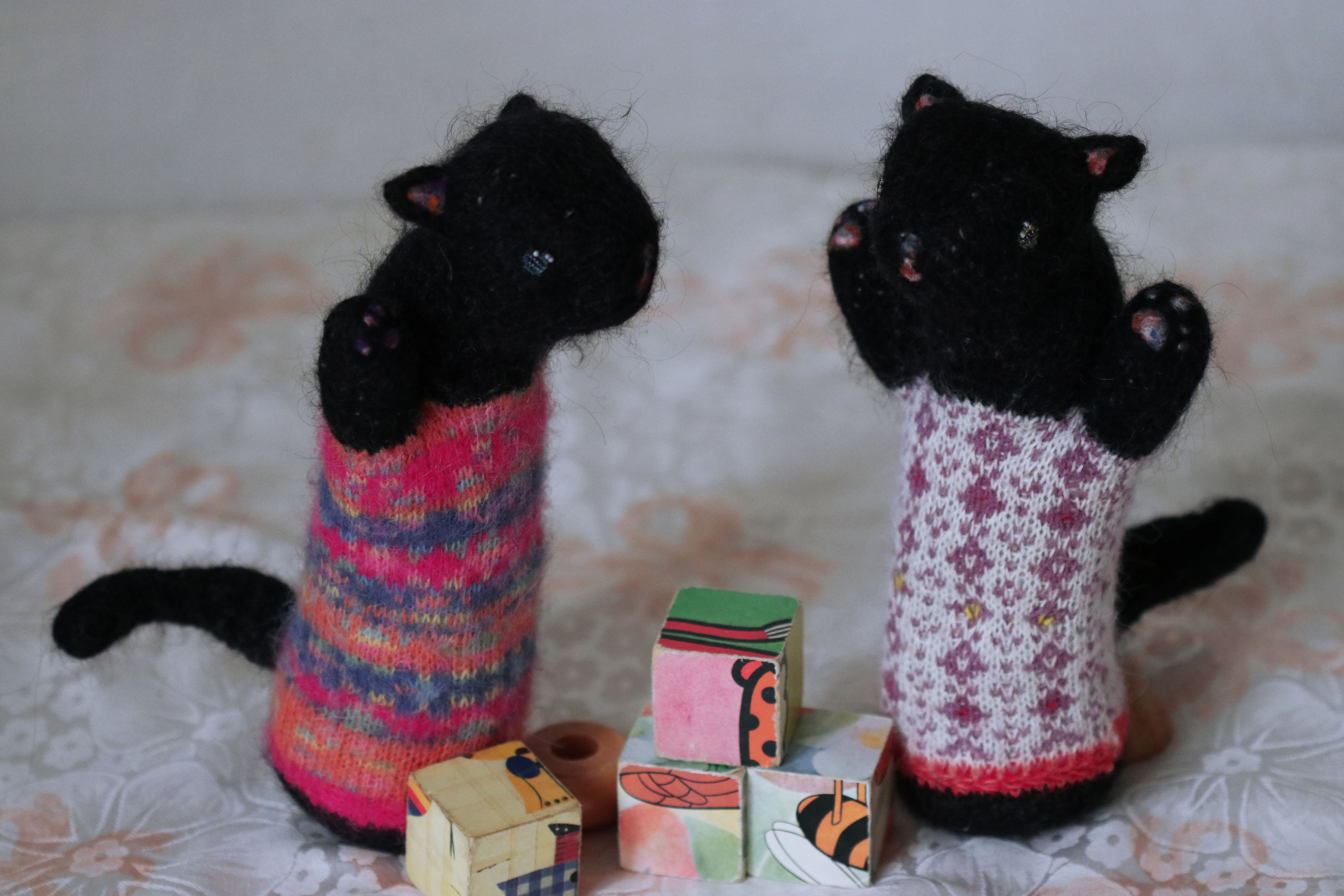 toy cat soft felting knitted design animal plush stuffed black sculpture kitty lover needle orgonite