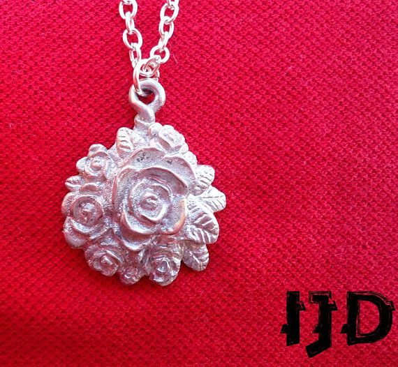 rose pendant necklace jewelry gothic bouquet metal