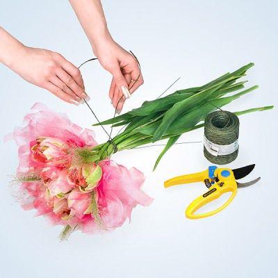 flowers tulips bouquets wedding make