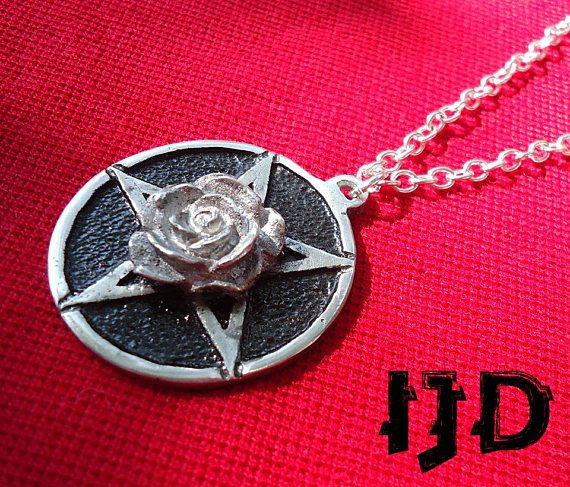 witch wiccan pentagram pendant satanist medallion jewelry necklace rose flower gothic