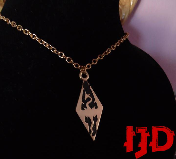 dragon silver pendant amulet necklace jewelry golden sigil skyrim merchandice