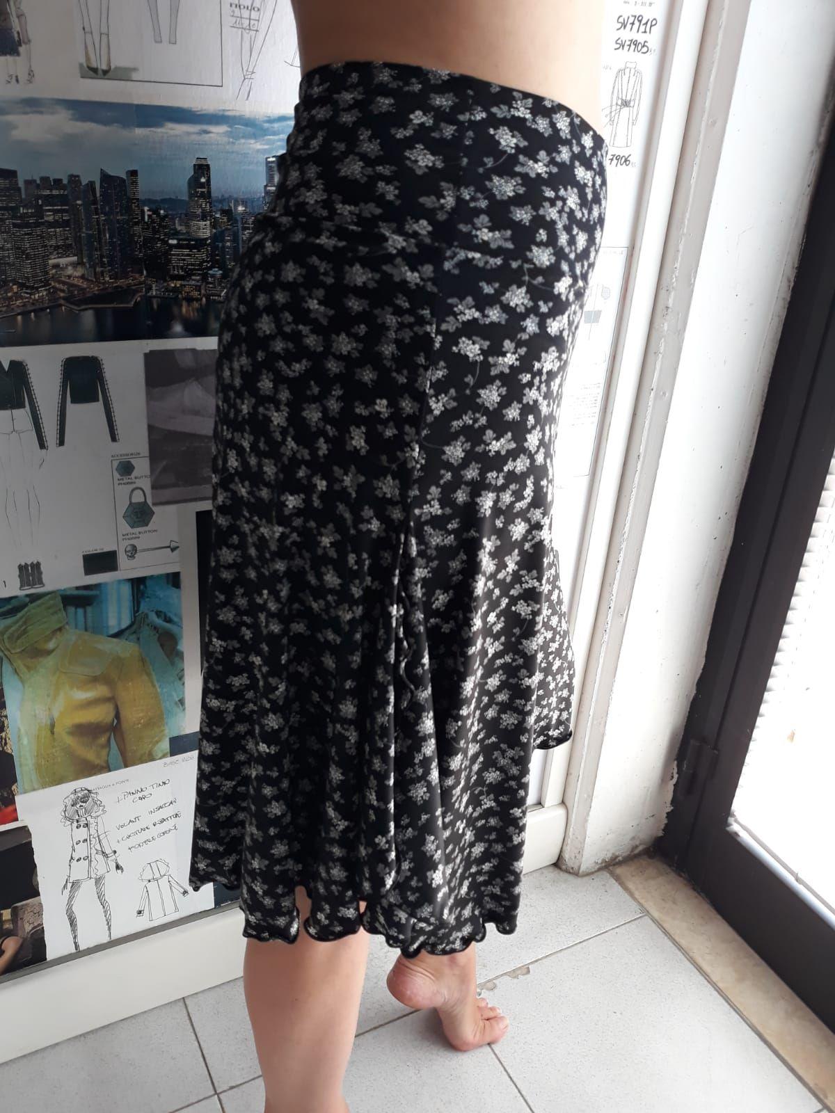 skirt woman
