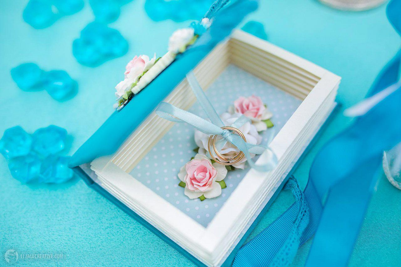 book paper jewelry blue box