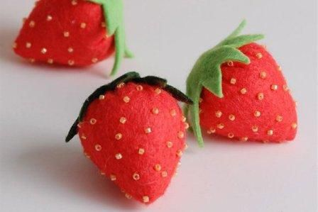 make textile felt from strawberries goods