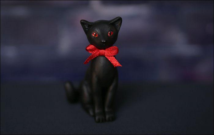 toy plastic cat red kids