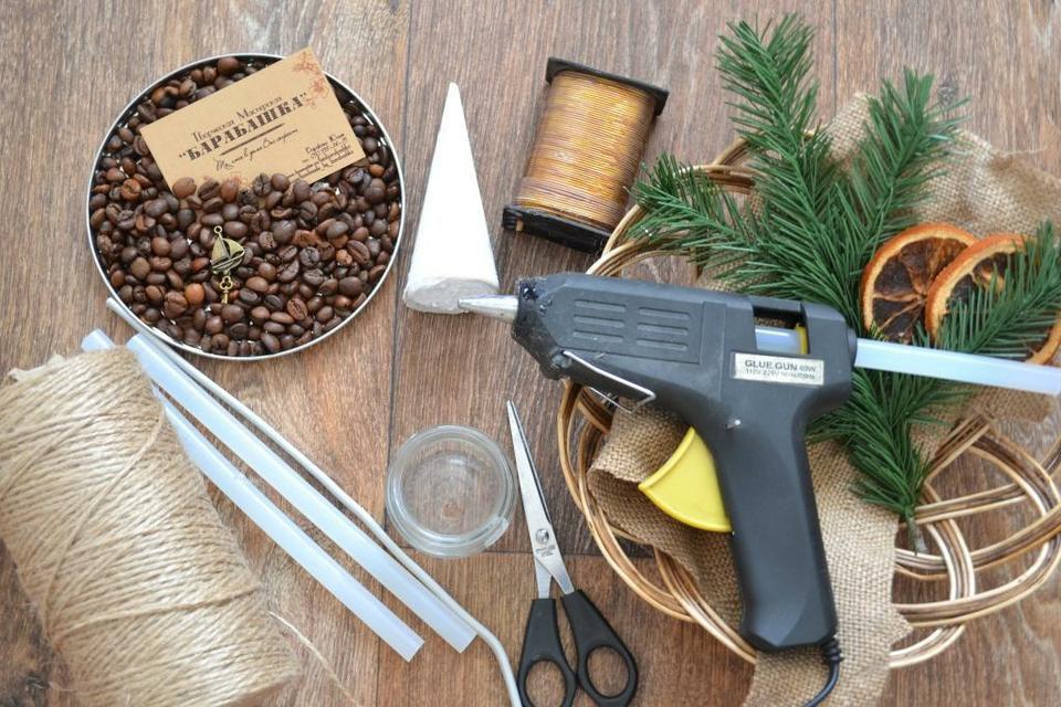 holidays handmade home gift diy coziness coffeebeans christmastree fragrantdecor winterdecoration jute jutetwine moss xmasdecor