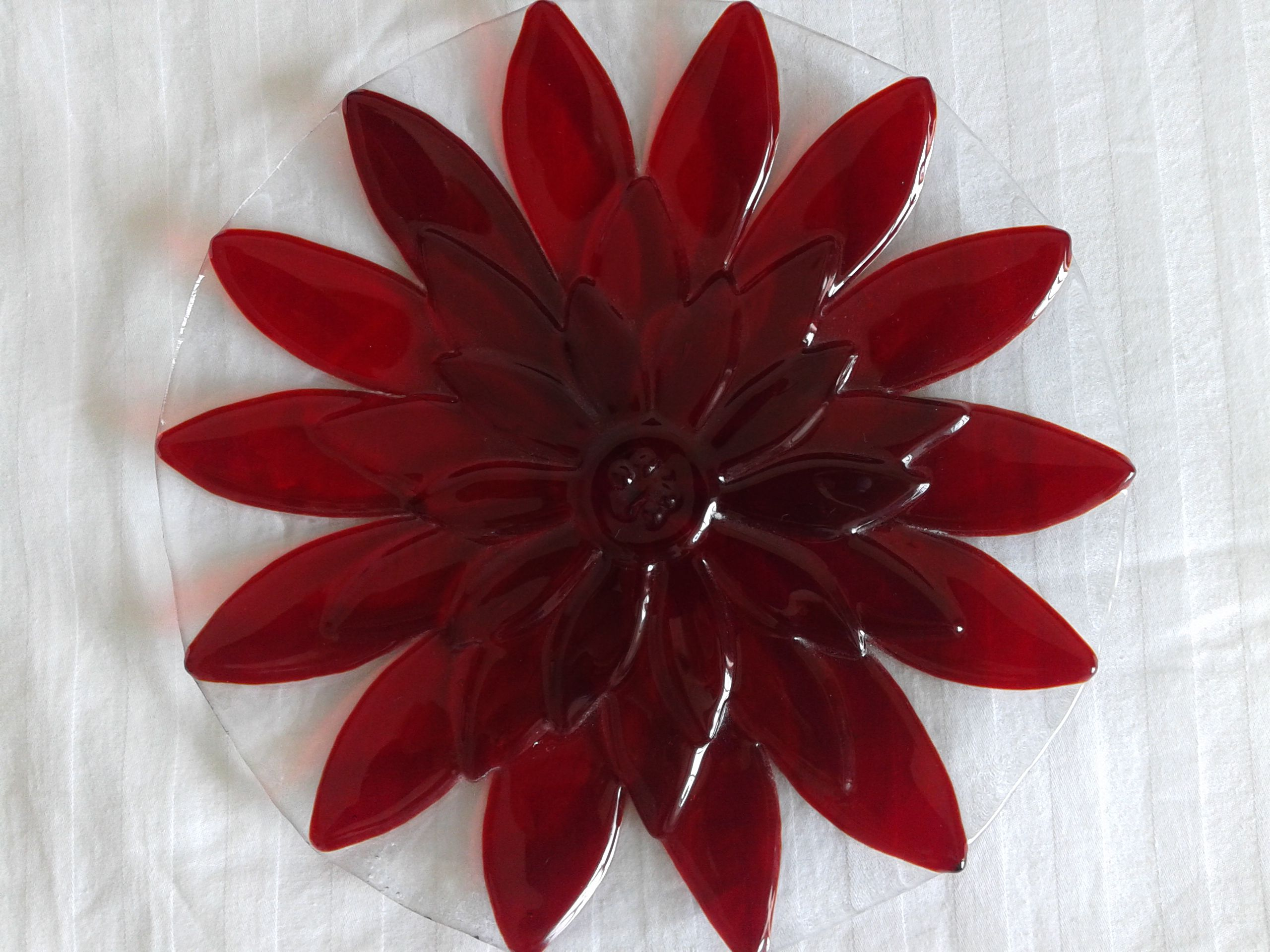 glass interior home plate kitchen red