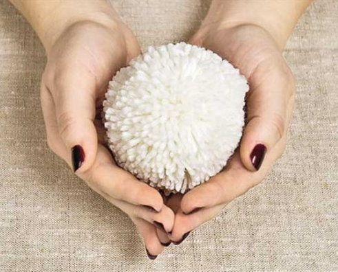 make accessories pompoms yarn pattern