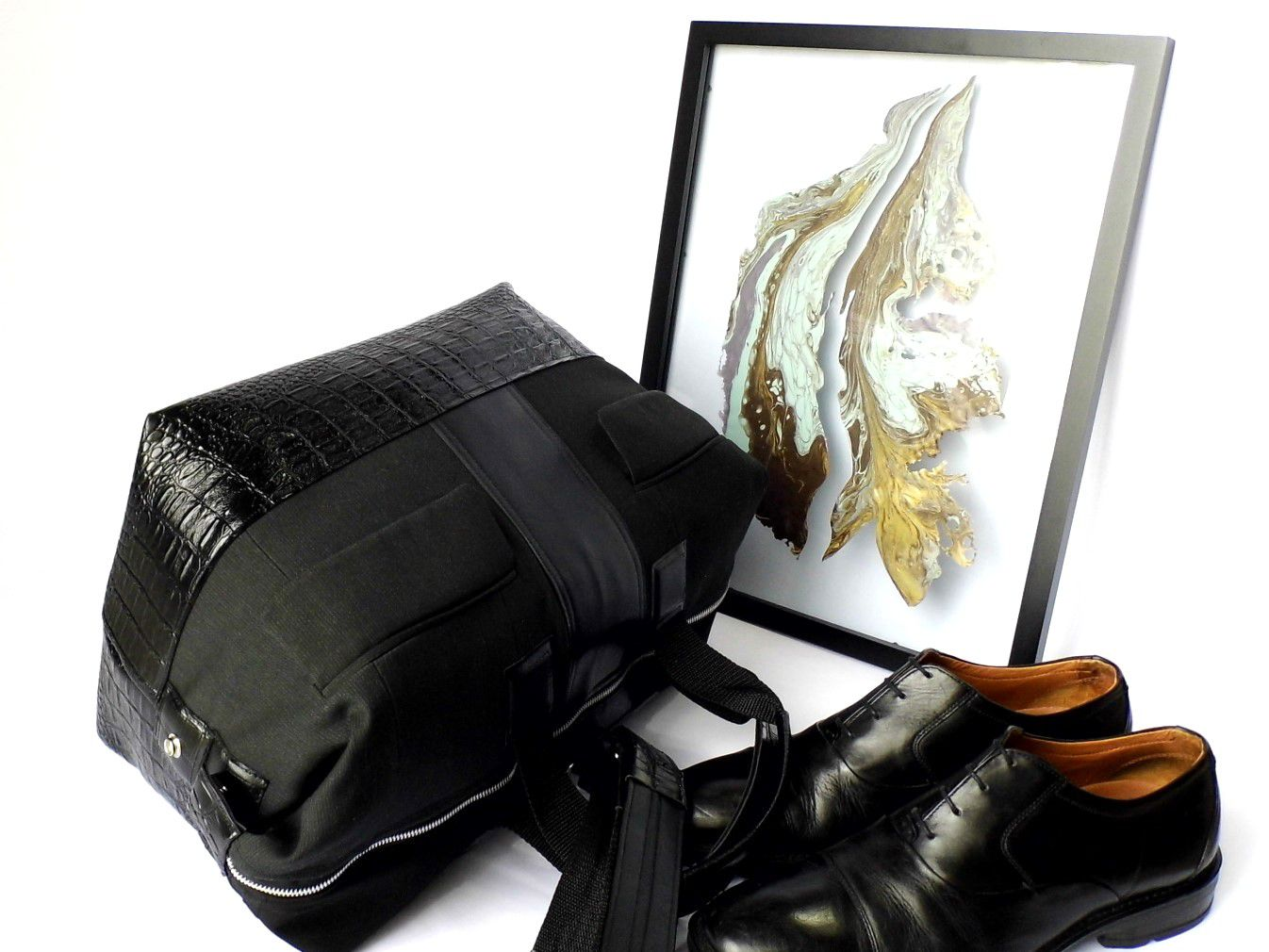 uniquegift handmade gennhaio fauxleather giftforher giftforhim giftideas overnightbag weekenderbag travelbag