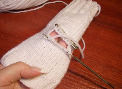 goods fingerless textile knit gloves