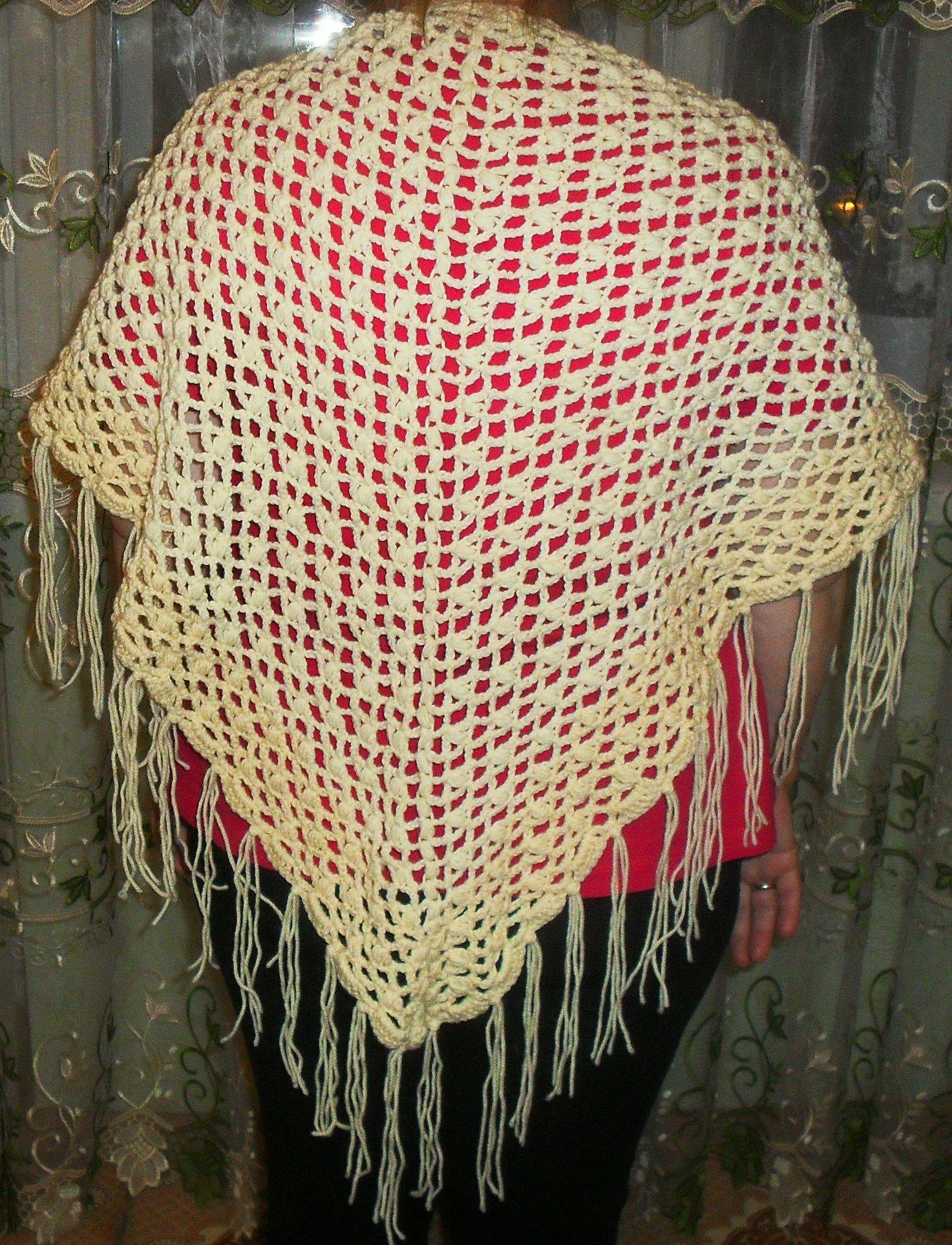 wool women hooked shawl