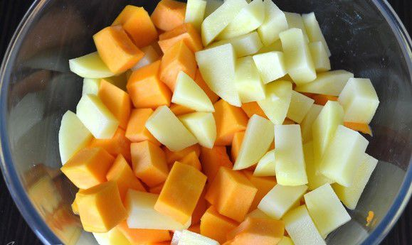 handmade pumpkin recipe cook curry diy delicious cooking tasty ginger autumndishes spicysoup creamsoup potato paprika