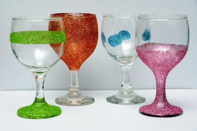 manually make wine glasses decorate