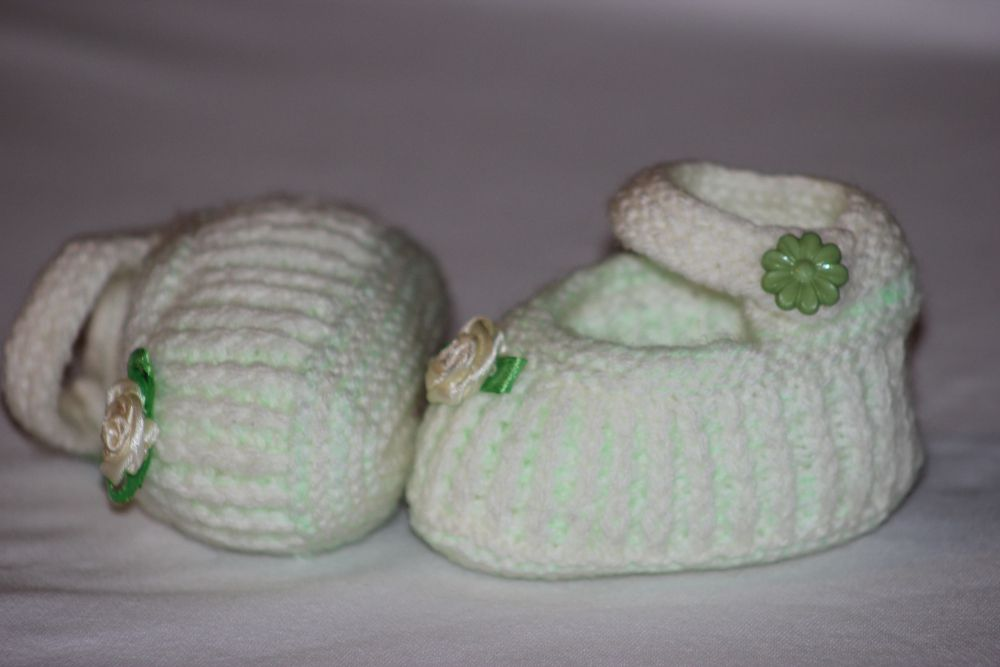baby-shoes gift children handmade