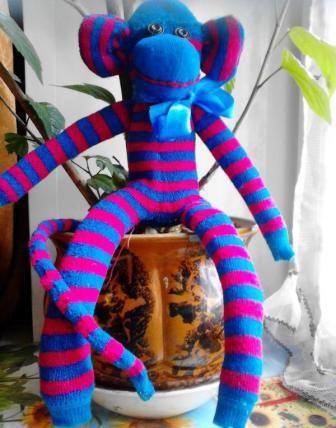 make toy soft sock monkey