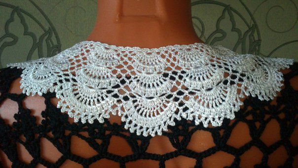 accessory lace hooked collars