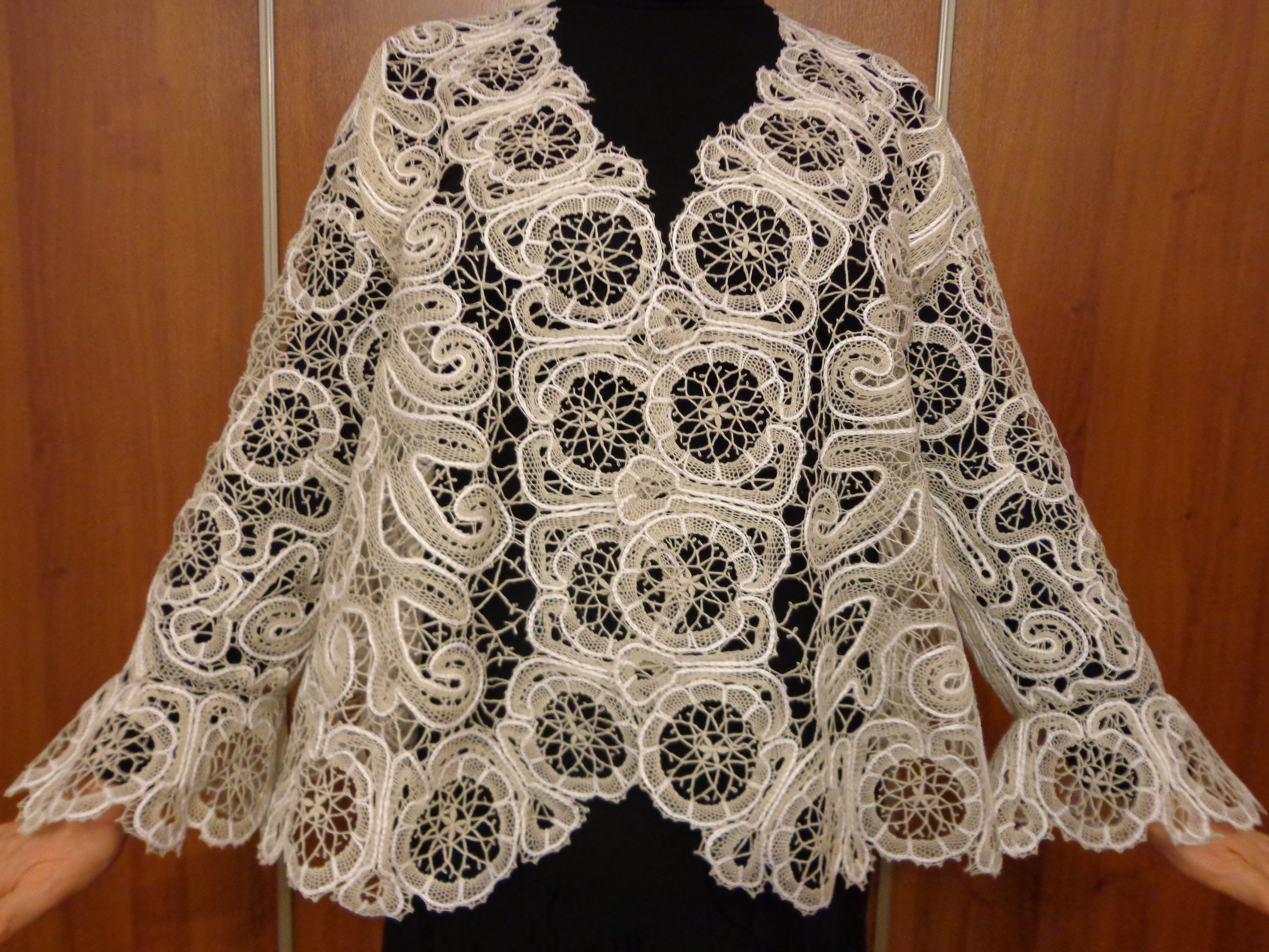 white mantel clothes knitting bobbines lace