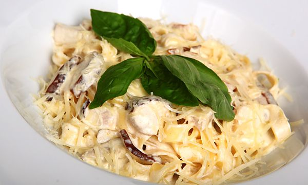 dinner autumnrecipes creamypasta cooking idea delicious cookityourself diy recipe pasta mushrooms chicken