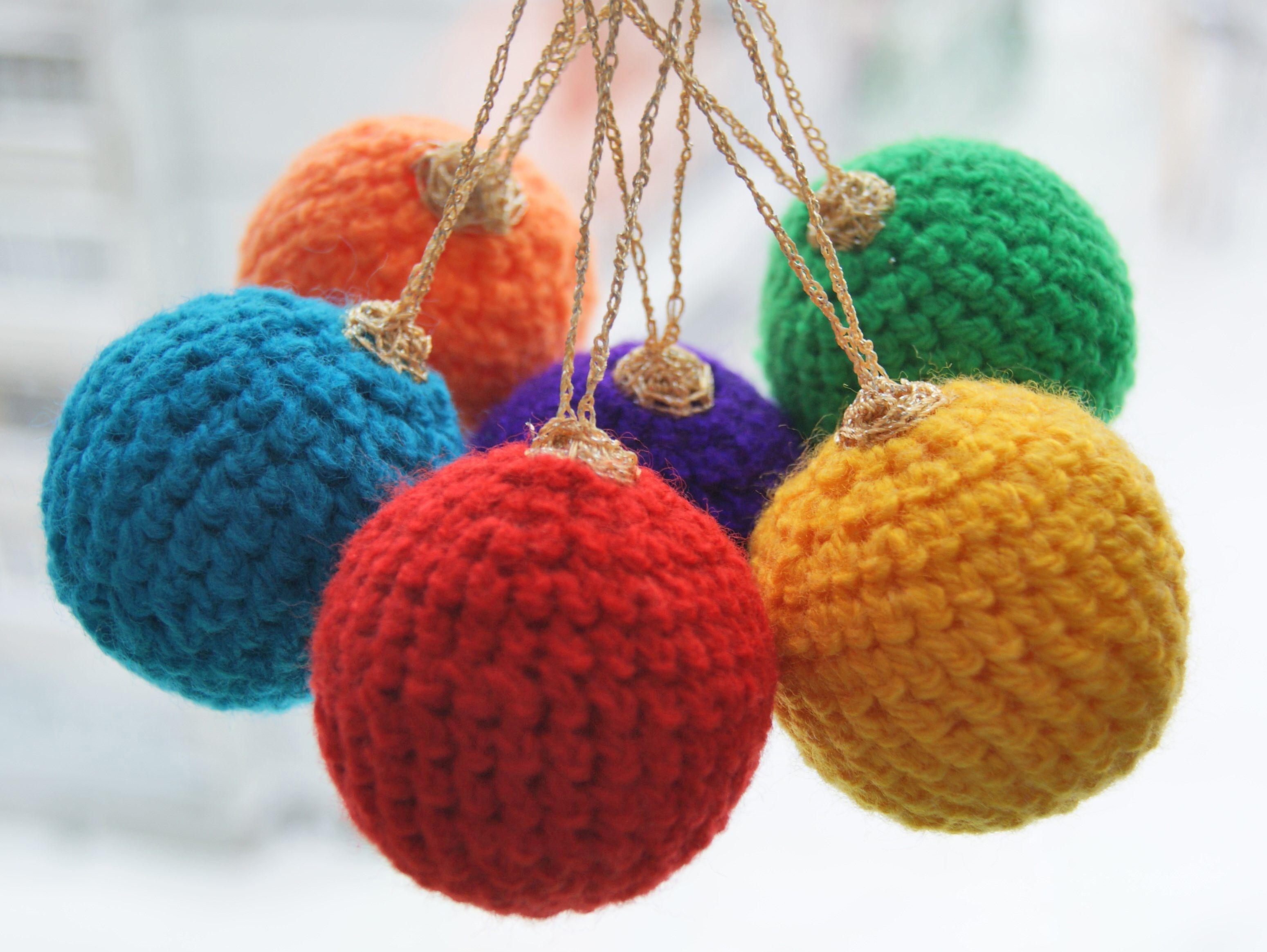 balls decor interior knitting tree christmas