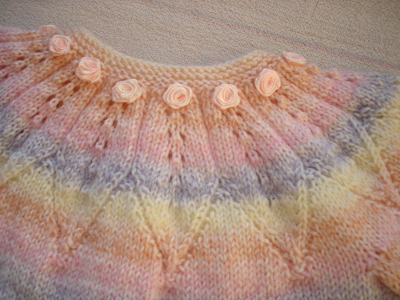 knitted babies set pastel