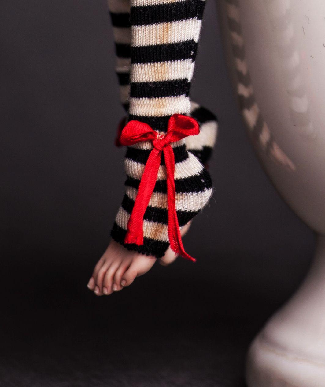 fragiledolls china dolls feet