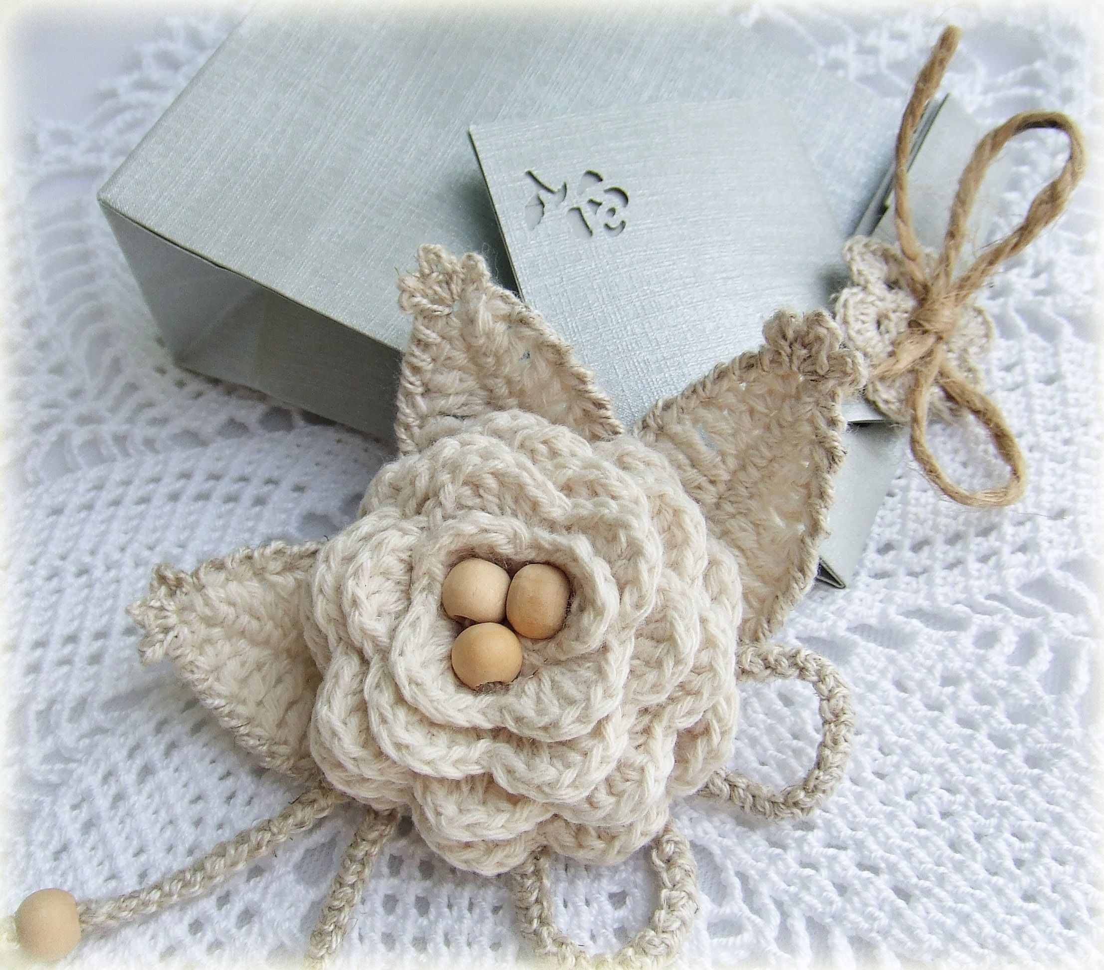 rose pin broach beige flax knitting