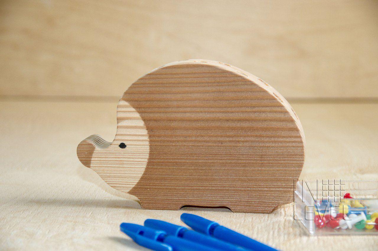 oak holder hedgehog wood business office