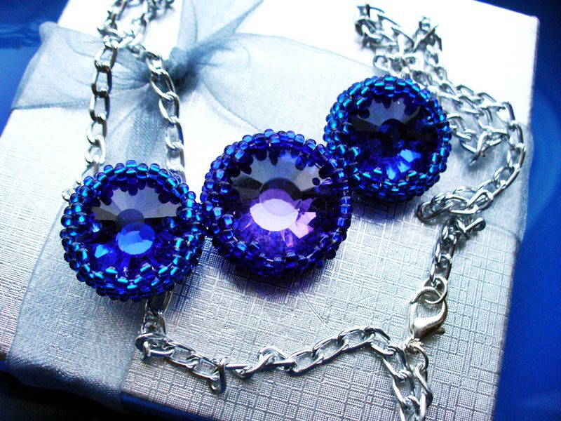 accessories violet blue shirt jewelry necklace beads