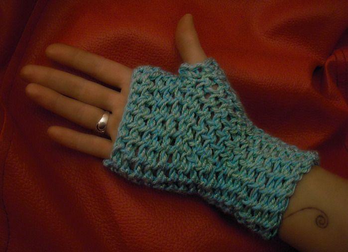 goods fingerless crochet textile gloves