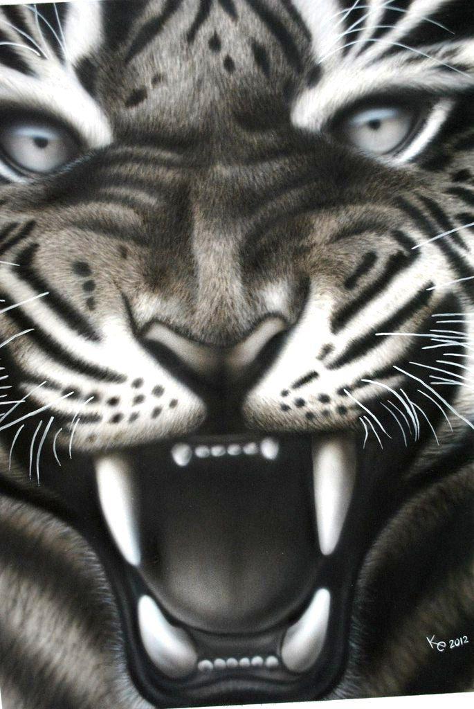 tiger present acryl aerographics painting