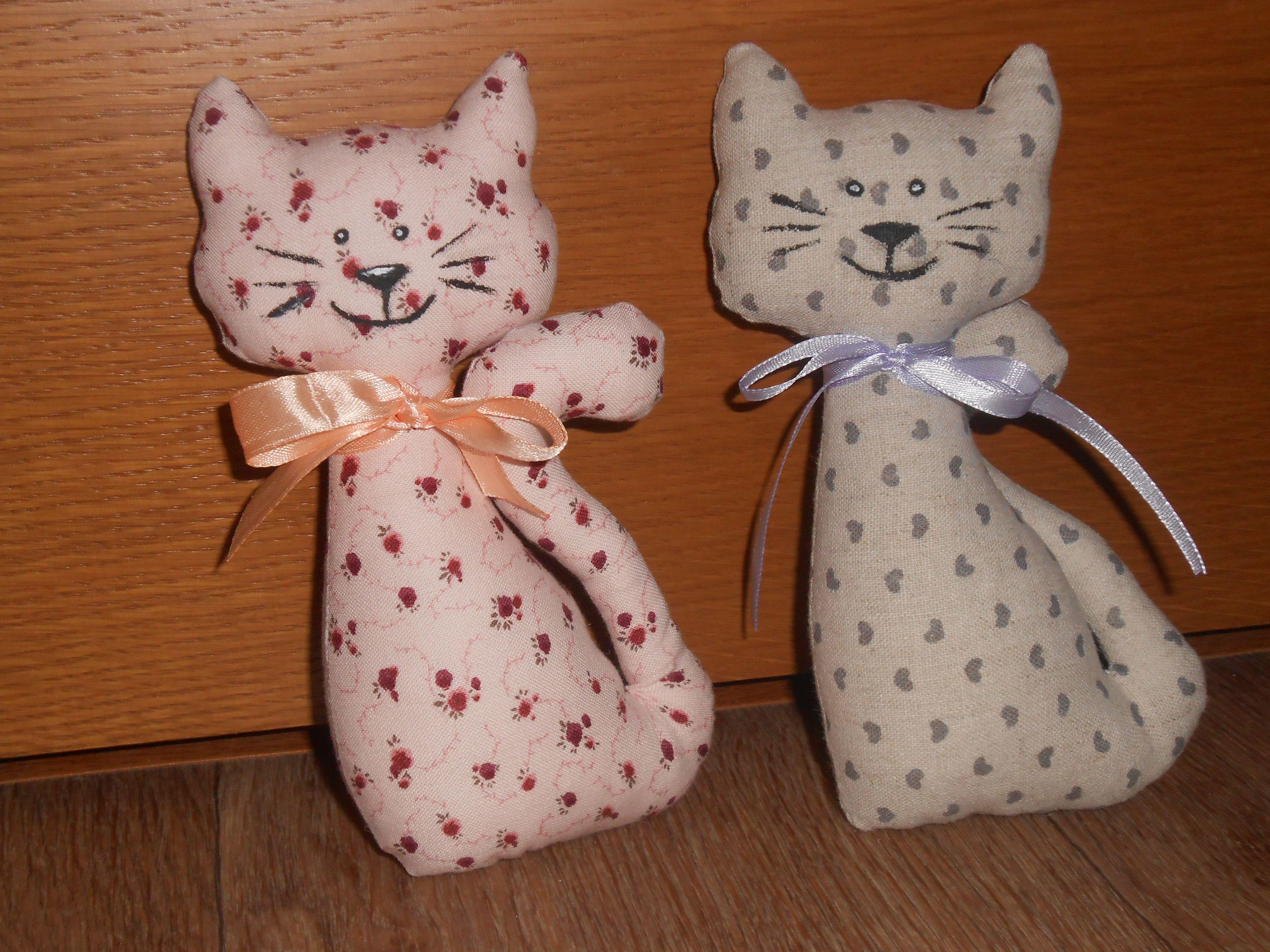 toy mary handmade cat