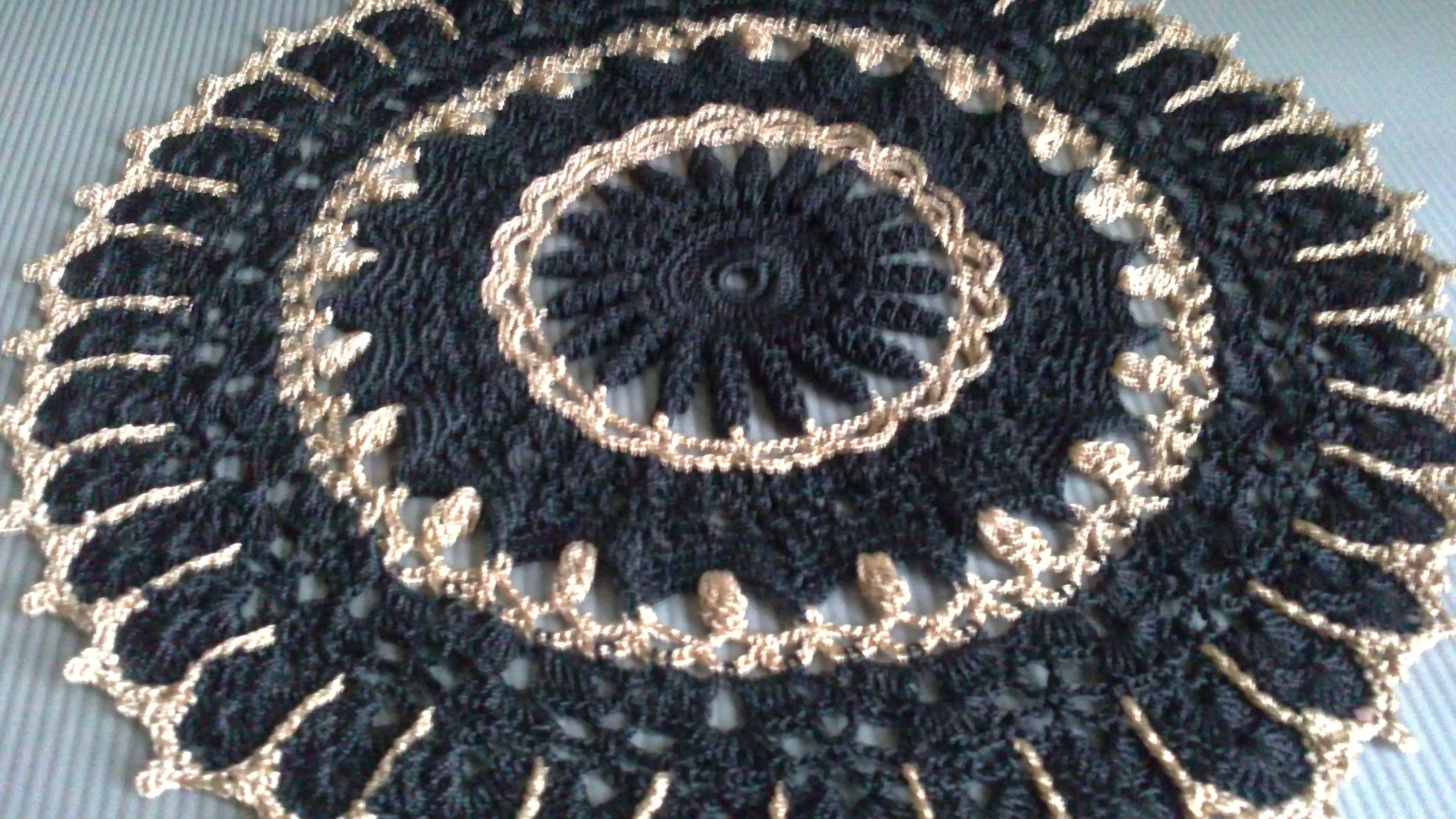 doily gift knitting black jour gold