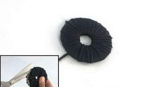 accessories pattern yarn pompoms make