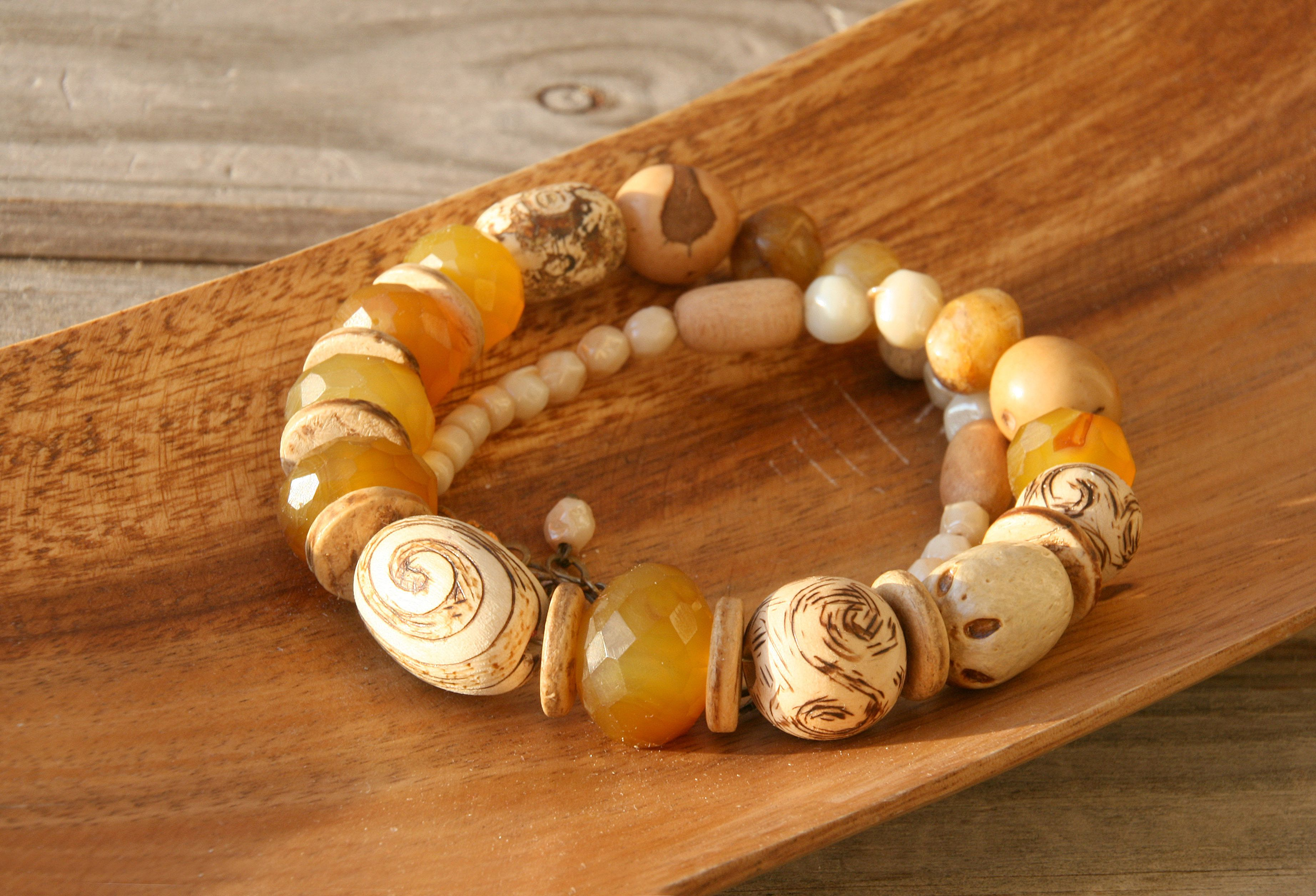 agate jewelry necklace wood sun