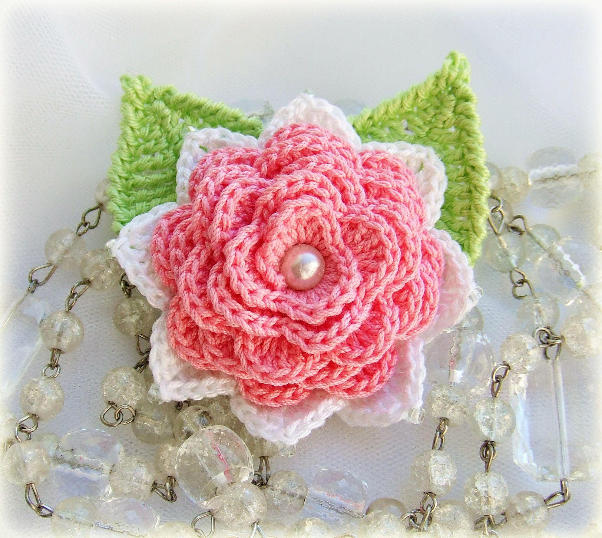 pin broach cotton knitting pink