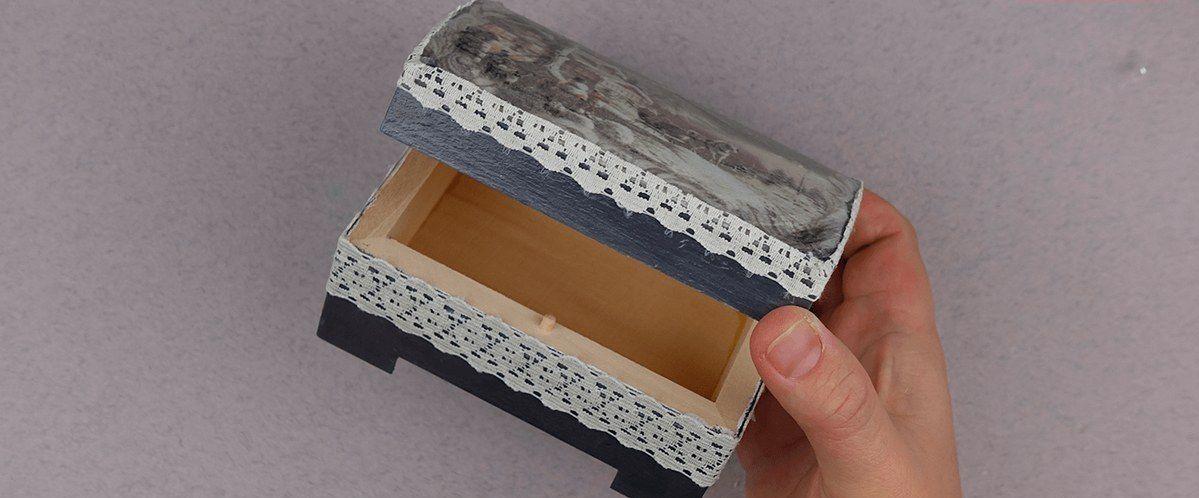 vintage decoupage diy jewelrybox christmasgift giftidea abbiglinewyear creativeidea handmade inspiration