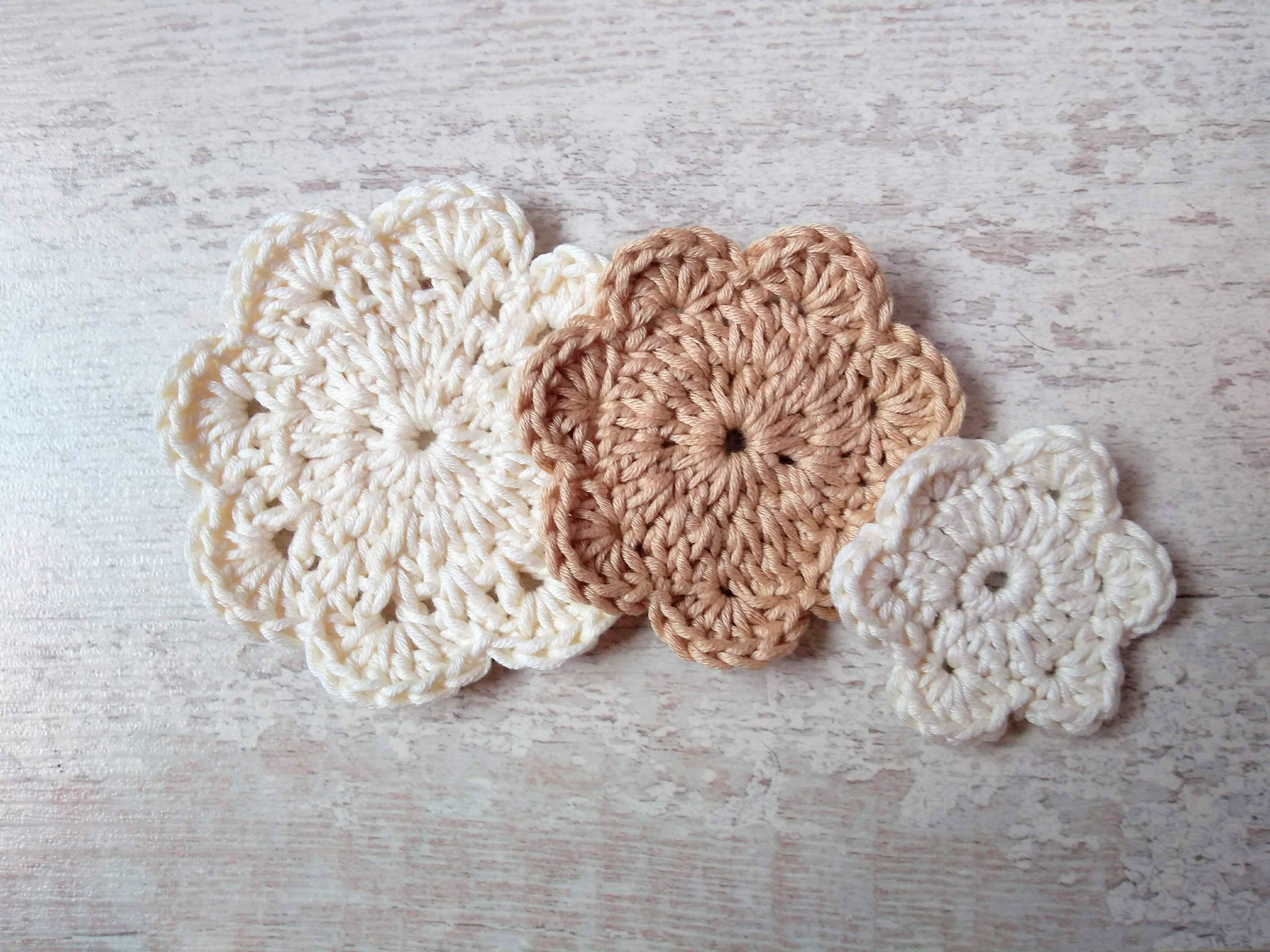 friendly scrubbies pads cotton cleansing pure remover eco waste reduce cleasing shaped make face neck flower skin