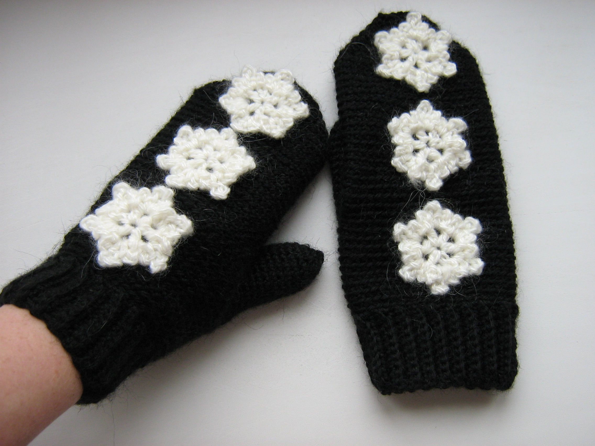 snow knit snowflake gloves winter