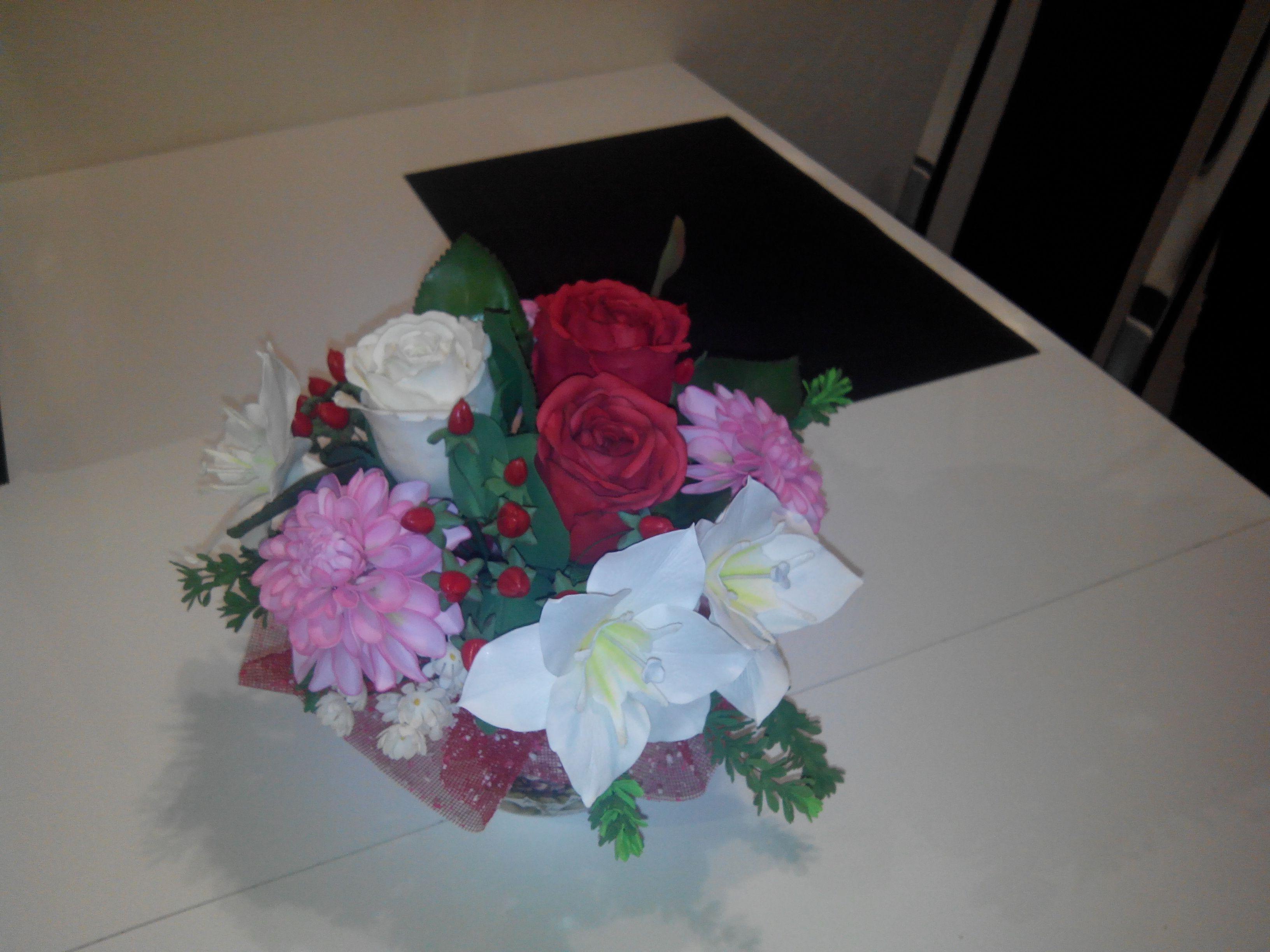 present flowers artificial