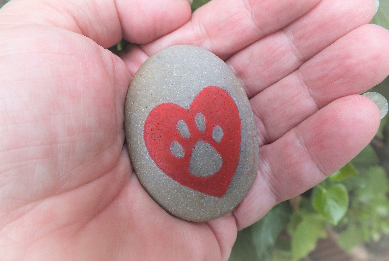 dogpawprint pawprint paw petmemorial doglover rockpainting pebblepainting gift memorial heart pebble stone catpawprint