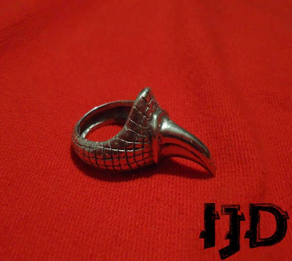 dragon ring jewelry metal finger black devil satanic vampire lucifer demon claw baphomet