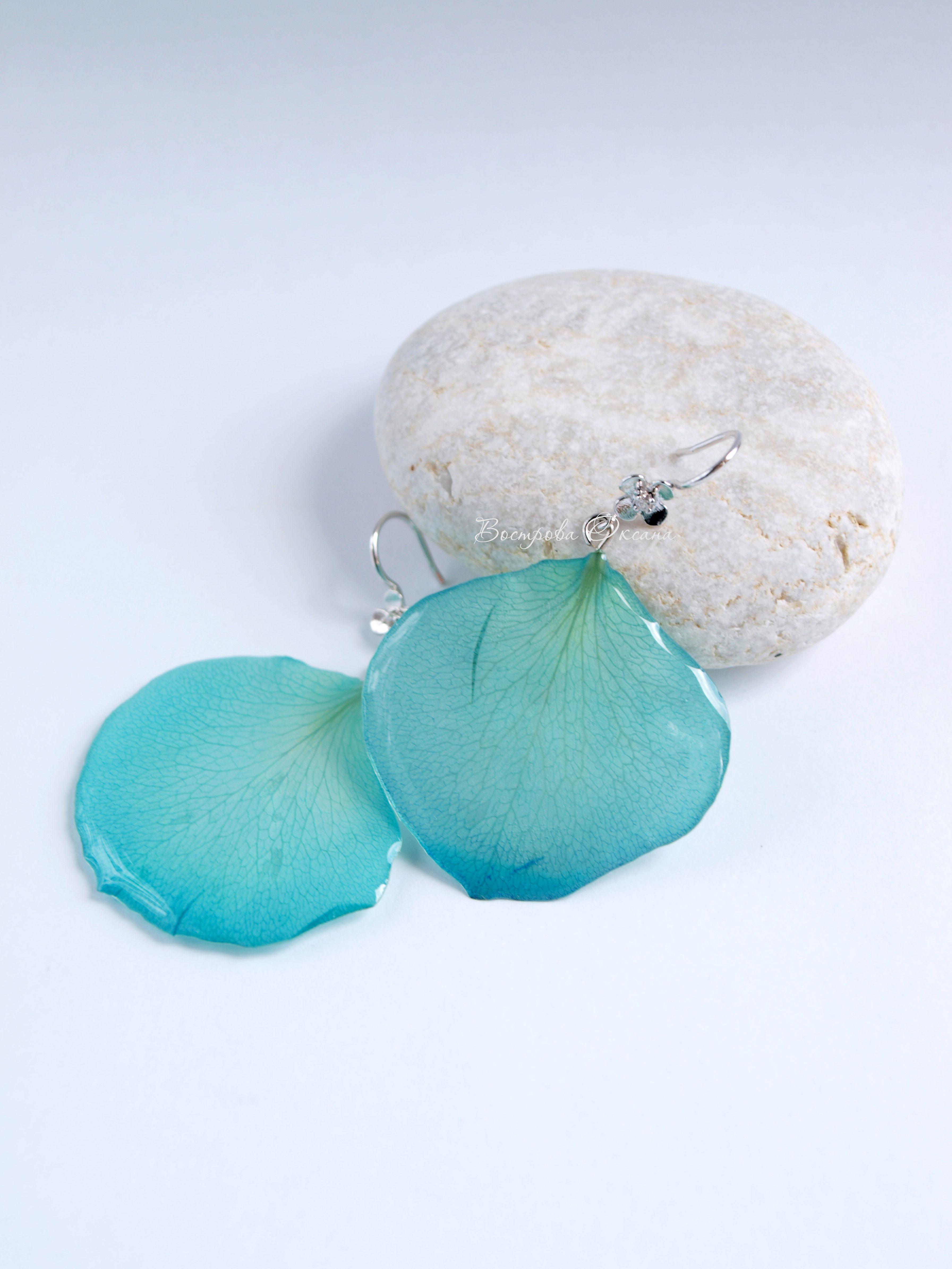 handmade earrings rosepetals turquoise