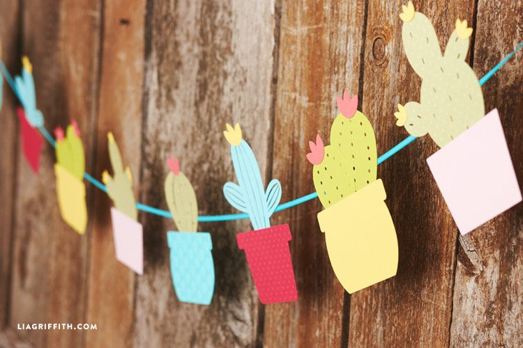 holidays handmade cactus festive garland party homedecor diy bright abbiglikids abbiglimasterclass abbiglihome festivedecor abbigliart abbigliinspiration abbiglidiy abbigliholidays ideasforparty