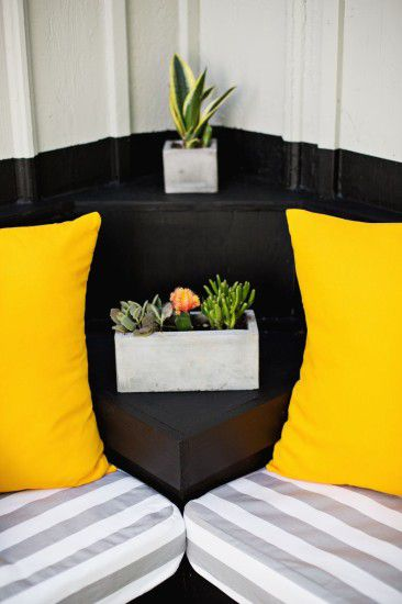 stitching bench make pillow cushion