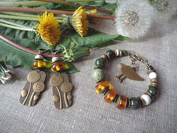 serpentine set accessorizes earrings jewel summer bracelet amber