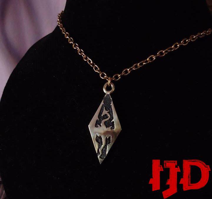 dragon pendant merchandice golden jewelry necklace silver skyrim amulet sigil