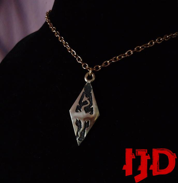 dragon pendant merchandice golden jewelry necklace silver skyrim amulet sigil