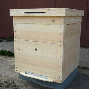 wooden handicrafts make beehive bees