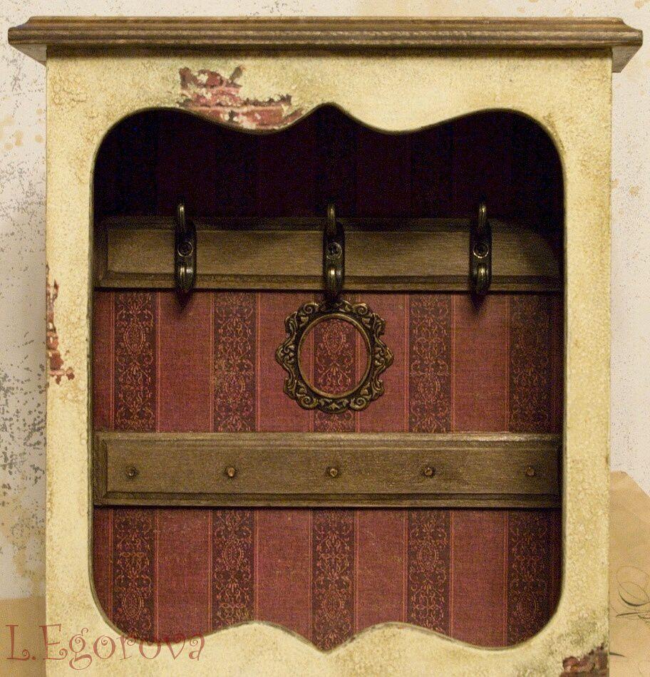 gift vintage keyholder decoupage